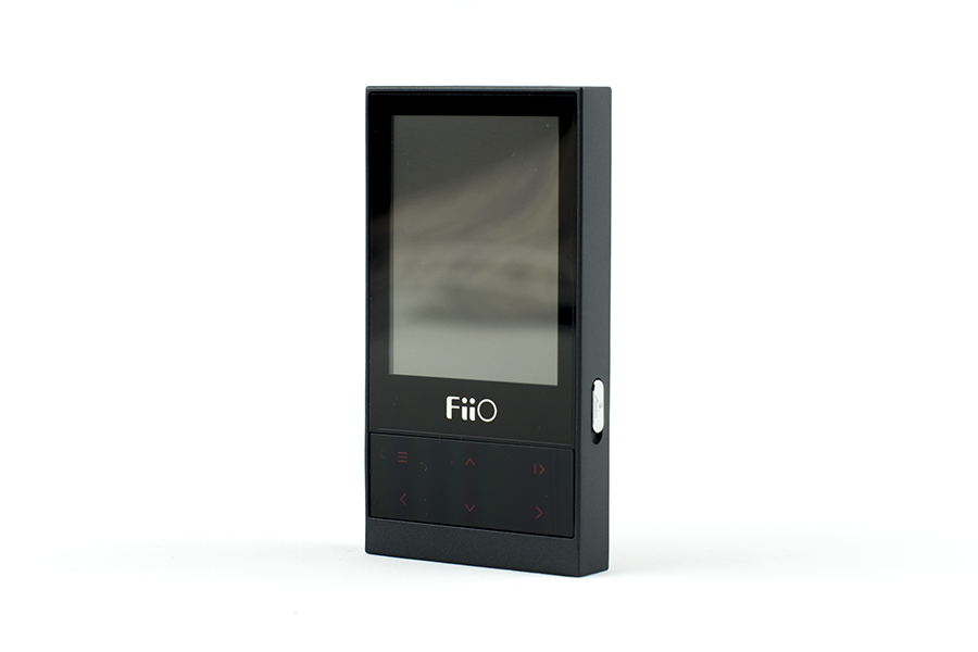 fiio m3 vista tre quarti anteriore display e comandi